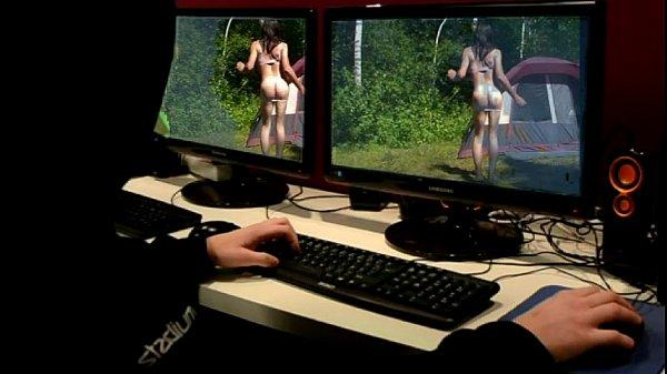 Красавица Возле Компьютера Показывает Эротику